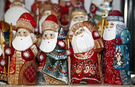 kindly: Santa claus kindly Army of wooden puppets