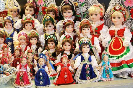 títere: vestido artística húngaro tradicional de marionetas como recuerdo