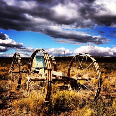 implement: Antica fattoria attuare nel Karoo Sud Africa Archivio Fotografico