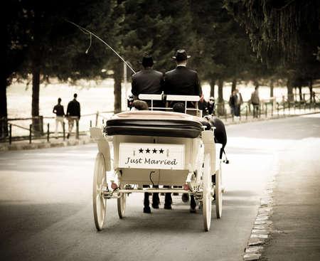 recien casados: El transporte acaba de casarse