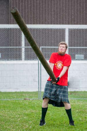 """15 de de agosto de, 2015, presente un ? """"Winnipeg, MB, Canadá - Manitoba asociación de deportes celtas organizó juegos pesados ??de Escocia durante el festival Folklorama"""