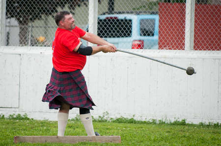 August 15, 2015 – Winnipeg, MB, Canada -  Manitoba association of Celtic sports organized Scottish heavy games during Folklorama festival 新聞圖片