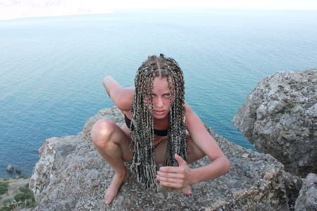 belle jeune fille avec les tresses africaines Banque d'images