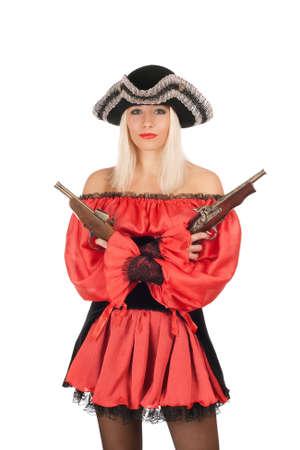 mujer pirata: Rubia joven agradable con armas de fuego disfrazados de piratas