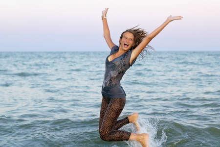 девушка мокрая фото