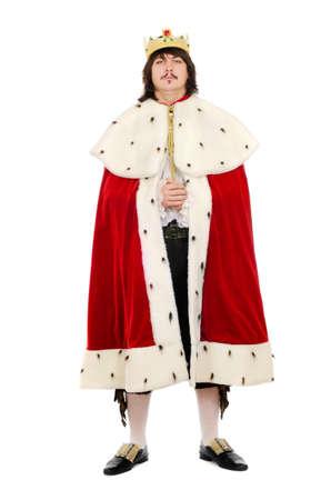 corona de rey: Hombre joven en el traje real. Aislado sobre fondo blanco