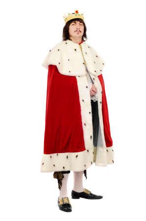 corona de rey: Hombre joven en el traje real. Aislados en blanco Foto de archivo