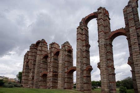 aqueduct: Ancient Roman aqueduct of Miracles Mrida, Spain