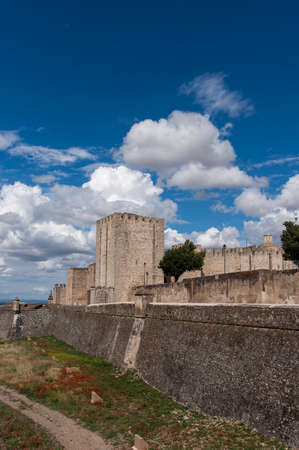 building monumental: Castles of Portugal, Elvas