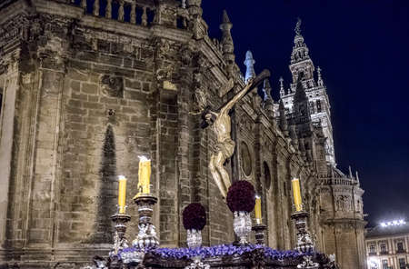 fraternidad: Paso de misterio de la Hermandad del Calvario, Semana Santa de Sevilla Foto de archivo