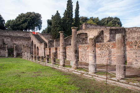 edification: Arqueologcos remains of the ancient Roman city of Pompeii, Italy