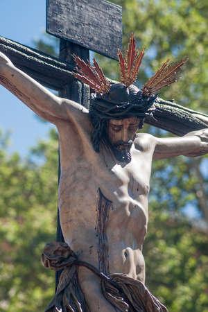 fraternidad: Procesi�n de la Hermandad del Cerro del Aguila en la Semana Santa de Sevilla Foto de archivo