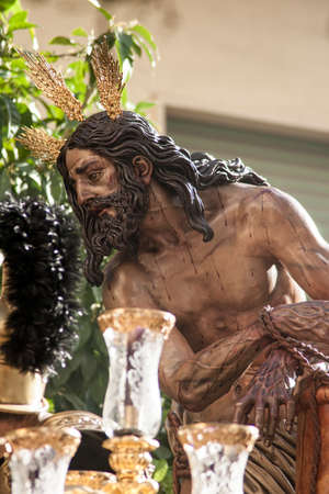 fraternidad: Procesi�n de la hermandad de las Cigarreras, semana santa de Sevilla