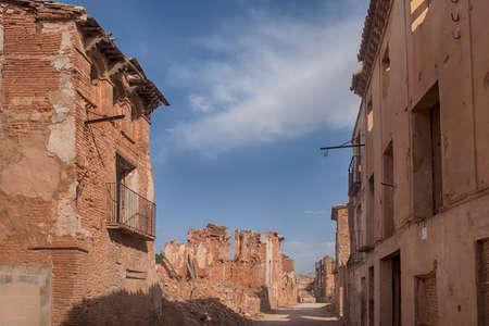 desolaci�n: Belchites Pueblo Ruins destroyed by bombing Civil War Espa? ? ola