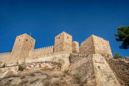 building monumental: Monuments in Andalusia, La Alcazaba de Antequera, M�laga Editorial