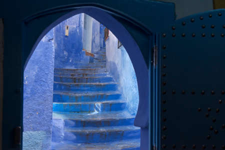 Corners of the beautiful city of Chefchaouen in the north of Morocco Standard-Bild - 100088787