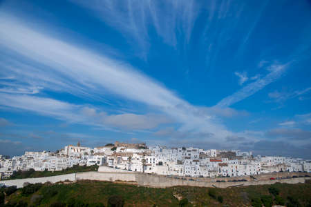 Street in the town of Vejer de la Frontera and one of the so-called white towns of Andalusia Banque d'images