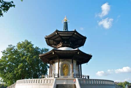 battersea: Peace Pagoda, Battersea Park, London  Stock Photo