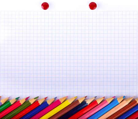groep van kleur potloden op de blanco papier