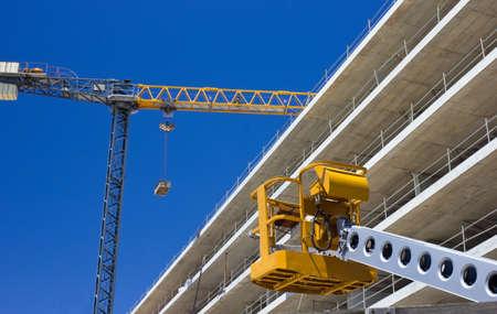 grue  tour: Grue � tour � la construction du site