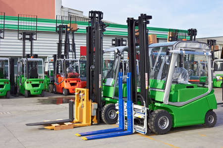 Electric forklift stackers Banque d'images