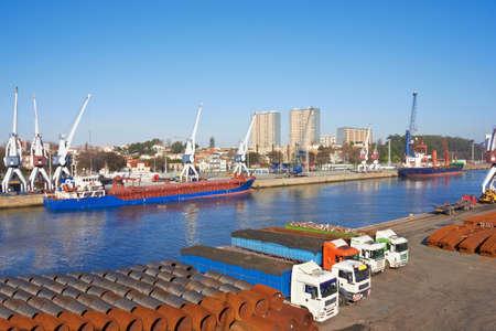 porto: Port in Porto, Portugal, craines and Large ships Stock Photo