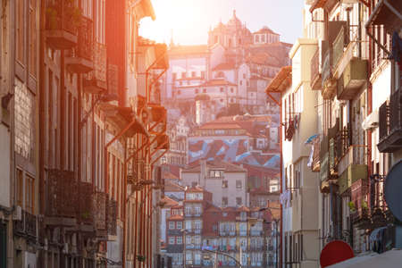 View on beautiful old houses and Ribeira in old Porto city Stockfoto