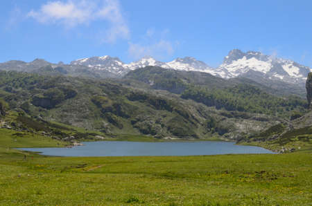 europa: Covadonga Lakes, National Park Picos de Europa, Asturias, Spain.