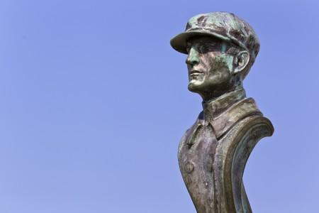nags: Wright Brothers monumento, ubicado en Kill Devil Hills, Carolina del Norte, conmemora los primeros vuelos exitosos, sostenidos, encendidos en una m�quina volador. Desde 1900 hasta 1903, Wilbur y Orville Wright llegaron aqu� de Dayton, Ohio, basado en