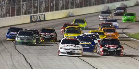 ATLANTA, GA - 02 de septiembre 2012 Denny Hamlin 11 carreras en el AdvoCare 500 en el Atlanta Motor Speedway en Hampton, GA Foto de archivo - 15080546