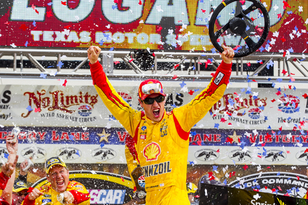hertz: Fort Worth, TX - Apr 07, 2014: Joey Lagano (22) wins the Duck Commander 500 at Texas Motor Speedway in Fort Worth, TX.