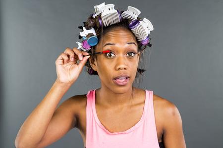 american sexy: Афро-американский женщина, поставив на макияж