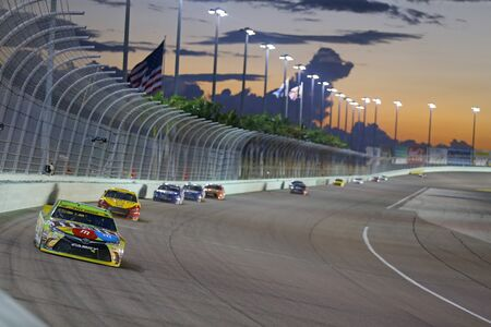 nascar: Homestead, FL - Nov 22, 2015:  The NASCAR Sprint Cup Series teams take to the track for the FORD EcoBoost 400 at Homestead Miami Speedway in Homestead, FL. Editorial