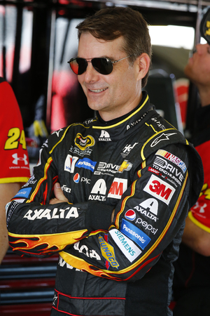 nscs: Homestead, FL - Nov 20, 2015:  Jeff Gordon (24) gets ready to practice for the FORD EcoBoost 400 at Homestead Miami Speedway in Homestead, FL.