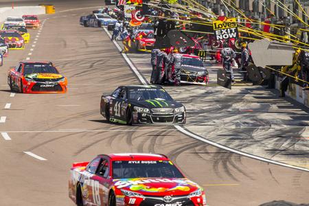 az: Avondale, AZ - Mar 13, 2016: The NASCAR Sprint Cup teams take to the track for the Good Sam 500 at the Phoenix International Raceway in Avondale, AZ. Editorial