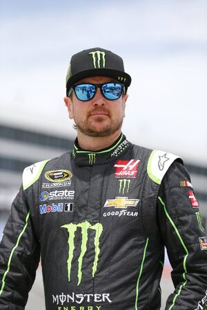 qualify: Ft. Worth, TX - Apr 08, 2016: Kurt Busch (41) waits on pit road to qualify for the Duck Commander 500 at the Texas Motor Speedway in Ft. Worth, TX. Editorial