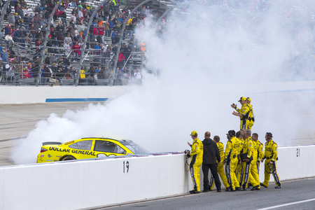 dover: Dover, DE - May 15, 2016: Matt Kenseth (20) wins the AAA 400 Benefiting Autism Speaks  at the Dover International Speedway in Dover, DE. Editorial