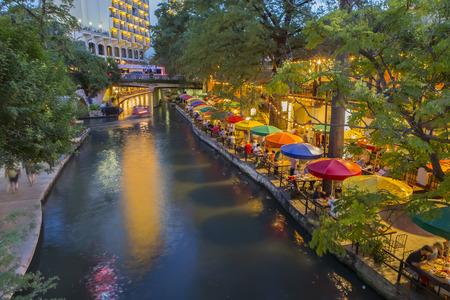 River Walk in San Antonio, Texas Редакционное