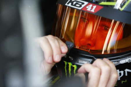nscs: Concord, NC - Oct 06, 2016: Kurt Busch (41) gets ready to practice for the Bank of America 500 at the Charlotte Motor Speedway in Concord, NC.