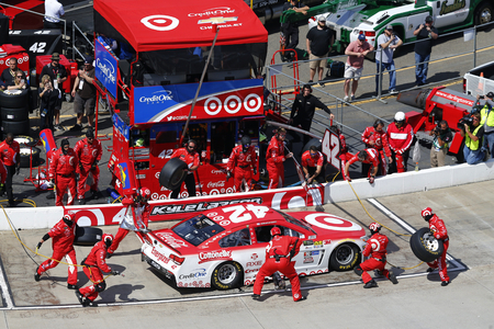 kyle: April 02, 2017 - Martinsville, Virginia, USA: Kyle Larson (42) pits his Chevrolet SS during the STP 500 at Martinsville Speedway in Martinsville, Virginia.