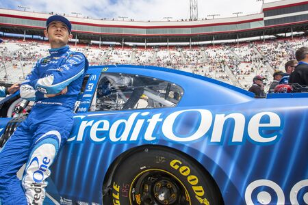 kyle: April 24, 2017 - Bristol, Tennessee , USA: Kyle Larson (42) watches practice as teams take to the track for the Food City 500 at Bristol Motor Speedway in Bristol, Tennessee . Editorial