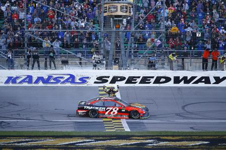 October 22, 2017 - Kansas City, Kansas, USA: Martin Truex Jr (78) wins the Hollywood Casino 400 at Kansas Speedway in Kansas City, Kansas.
