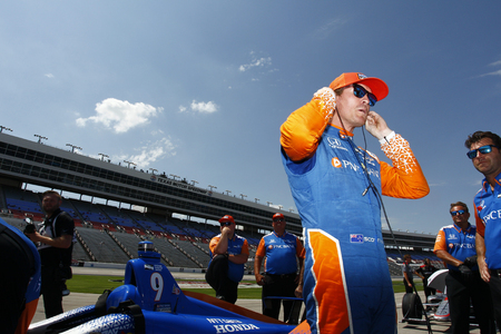June 08, 2018 - Fort Worth, Texas, USA:  SCOTT DIXON (9) of New Zealand  prepares to take to the track to qualify for the DXC Technology 600 at Texas Motor Speedway in Fort Worth, Texas.