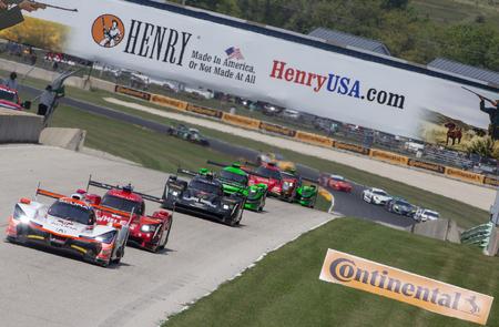 05 de agosto de 2018 - Elkhart Lake, WI, EE.UU .: El equipo Acura Penske Acura recorre las curvas en el Continental Tire Road Race Showcase en Road America en Elkhart Lake, WI.
