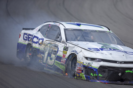 August 12, 2018 - Brooklyn, Michigan, USA: Ty Dillon (13) Races through the field off turn four at the Consumers Energy 400 at Michigan International Speedway in Brooklyn, Michigan. 新聞圖片