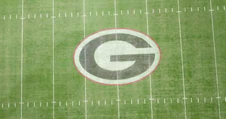 3 ottobre 2018 - Athens, Georgia, USA: vedute aeree dello stadio di Sanford, che è la sede di gioco del calcio nel campus presso l'Università della Georgia ad Athens, Georgia, Stati Uniti. Lo stadio da 92.746 posti è il decimo stadio più grande della NCAA. Editoriali