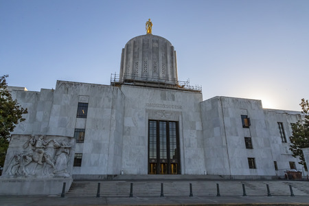 October 12, 2018 - Salem, Oregon, USA:  The Oregon State Capitol is the building housing the state legislature and the offices of the governor, secretary of state, and treasurer of the U.S. state of O 에디토리얼