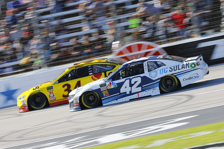 November 04, 2018 - Ft. Worth, Texas, USA: Kyle Larson (42) races during the AAA Texas 500 at Texas Motor Speedway in Ft. Worth, Texas.
