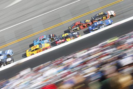 February 17, 2019 - Daytona Beach, Florida, USA: Ricky Stenhouse, Jr (17) races down the front stretch during the Daytona 500 at Daytona International Speedway in Daytona Beach, Florida. Фото со стока - 117057870