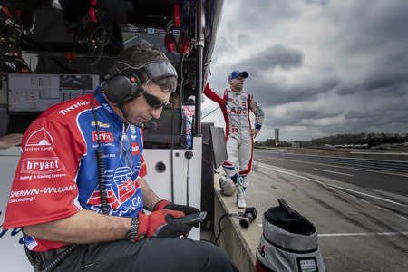 April 06, 2019 - Birmingham, Alabama, USA: TONY KANAAN (14) of Brazil prepares to qualify for the Honda Indy Grand Prix of Alabama at Barber Motorsports Park in Birmingham, Alabama.The NTT IndyCar Series teams prepare to qualify for the Honda Indy Grand P Redakční